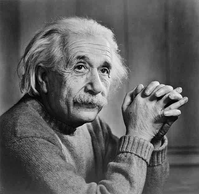 Einstein Mais de 100 anos Depois
