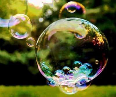 Tensão superficial - Parede de uma bolha de sabão