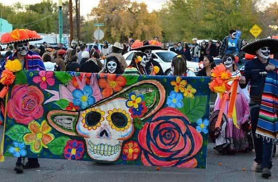 d2b1bcafe6cc3 Principais festas do México - Geografia - Grupo Escolar