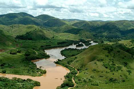 Rios que fazem parte do sistema hídrico de São Paulo
