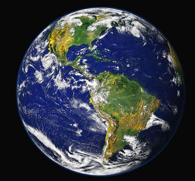 Eratóstenes calcula a circunferência da Terra