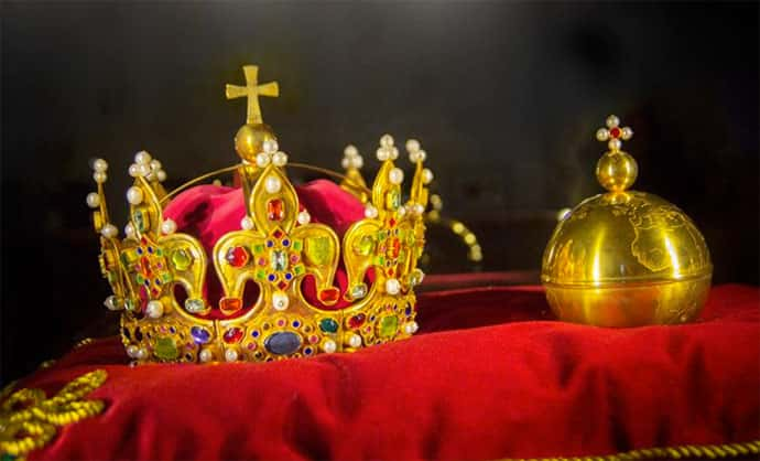 O que é monarquia e quais são seus tipos?