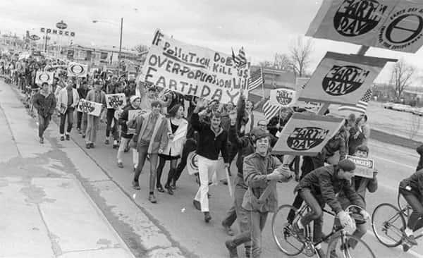 O primeiro dia da terra comemorado nas escolas americanas