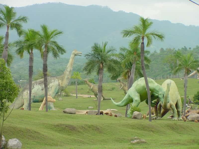 Dinossauros vivendo na Terra